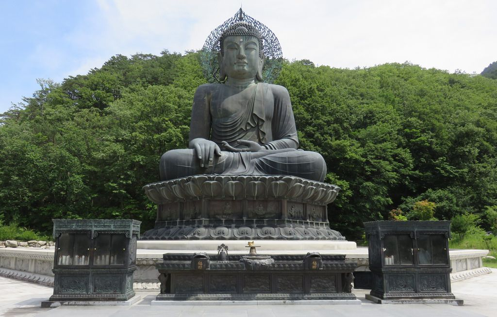 Great Bronze Buddha Statue