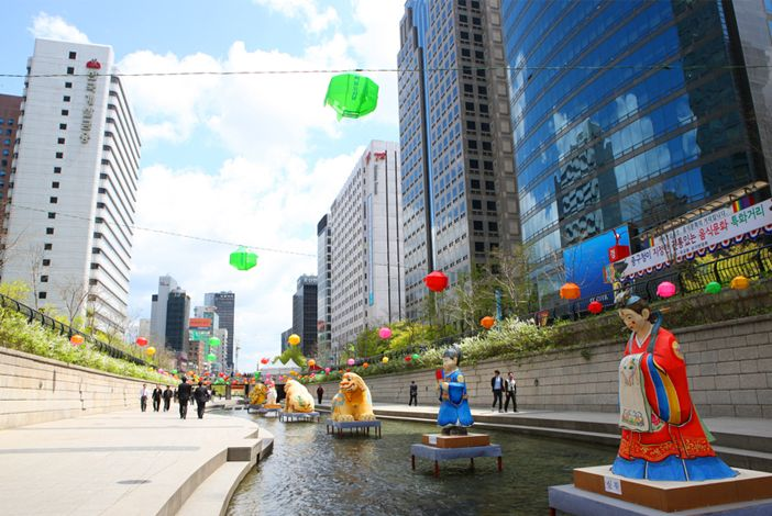 Pesona Cheonggyecheon Stream