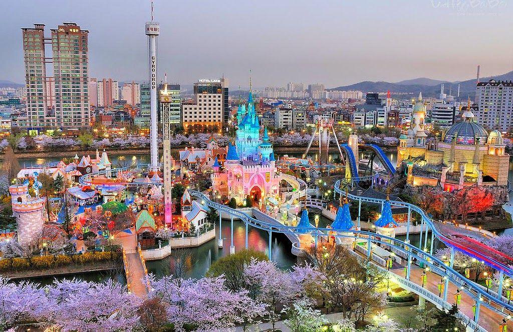 Mau Seru-Seruan di Korea Selatan Kunjungi Lotte World Seoul, Taman Hiburan dengan Berbagai Pengalaman Tak Terlupakan