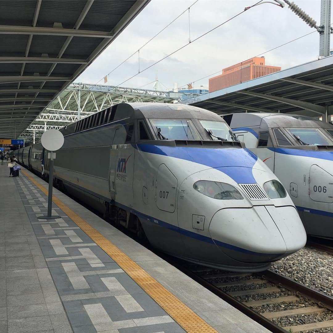 KTX (Korea Train Express)
